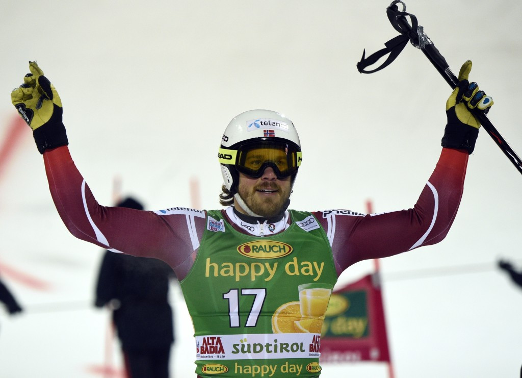 Jansrud finally beats Norwegian rival as parallel giant slalom makes debut at FIS Alpine Skiing World Cup