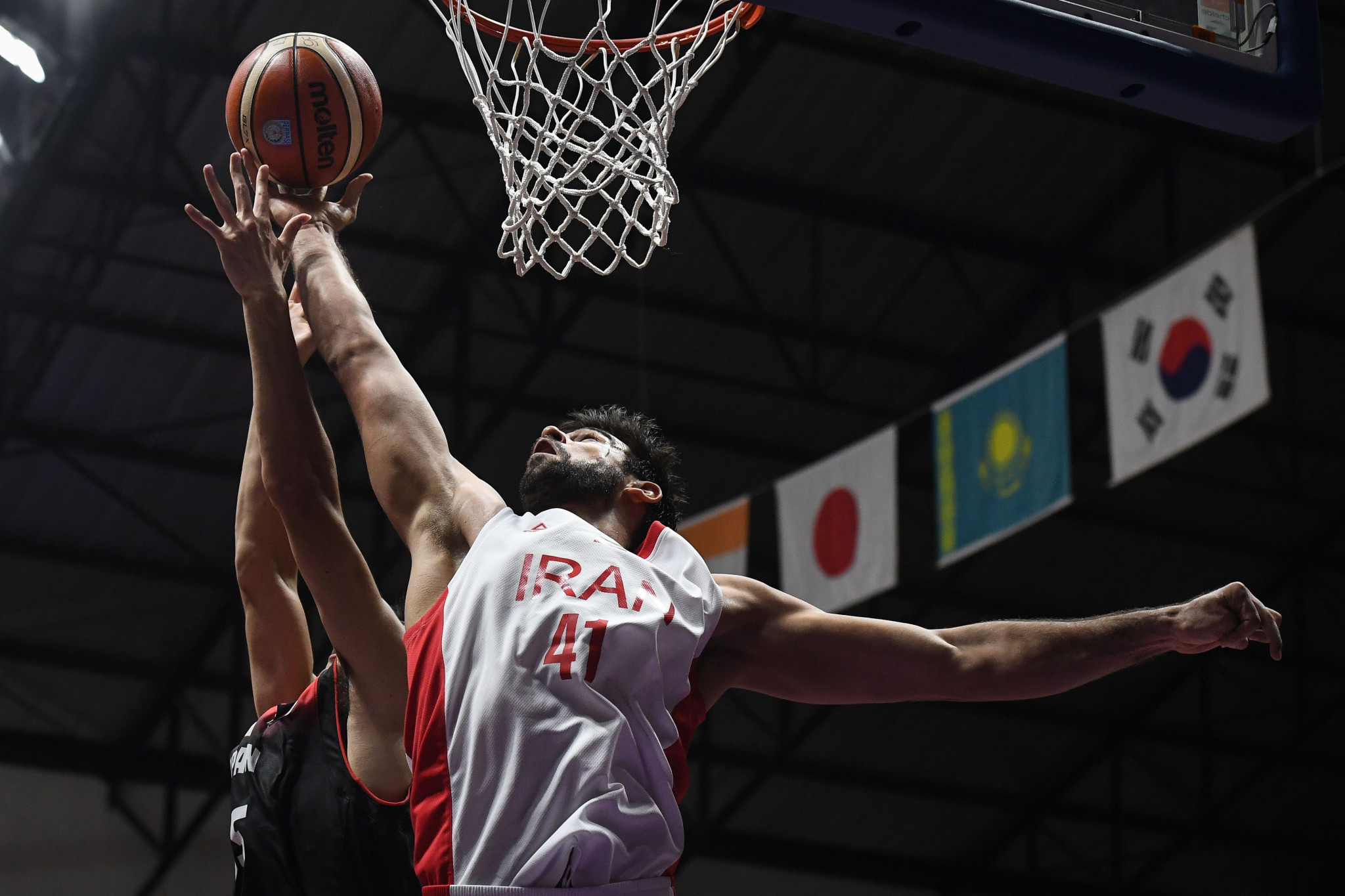Iran basketball star Kazemi wins FIBA Dunk of the Decade tournament