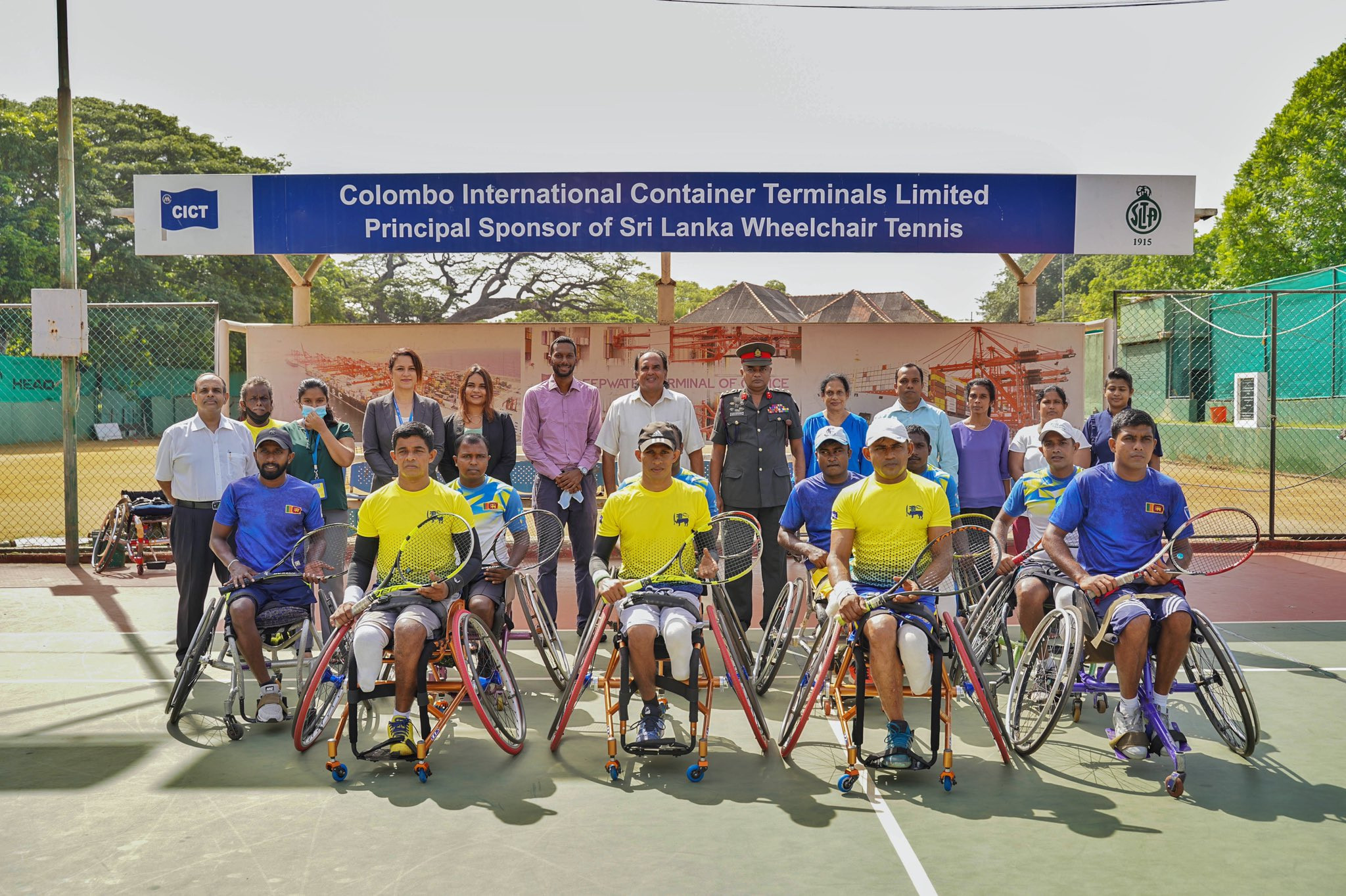 CICT meeting with some of Sri Lanka's best wheelchair tennis players ©CICT