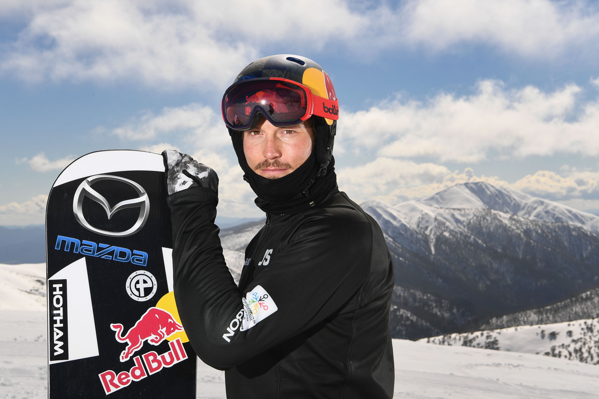 Tributes paid after tragic death of two-time world champion snowboarder Pullin