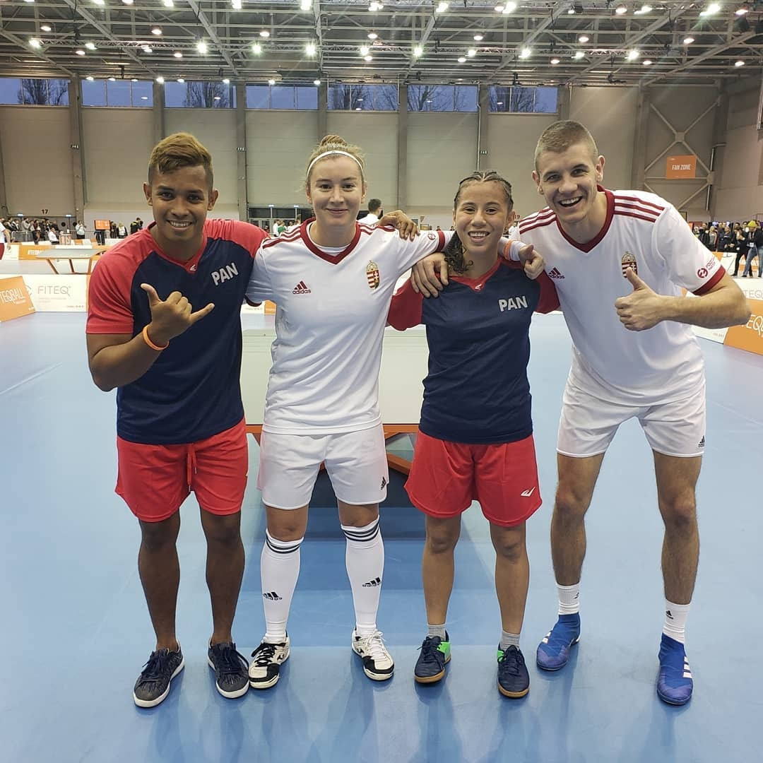 Teams Panama and Hungary sharing a photo at the 2019 World Championships ©FITEQ