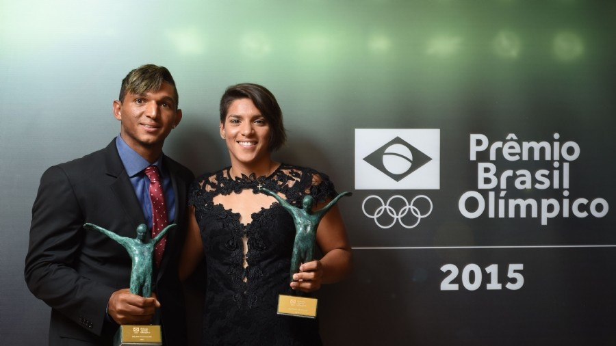 Isaquias Queiroz and Ana Marcela Cunha have been named Best Brazilian Athletes for 2015 ©COB