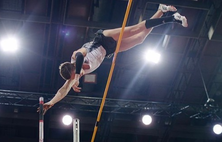Russian teenage pole vault star seeks nationality switch to Belarus