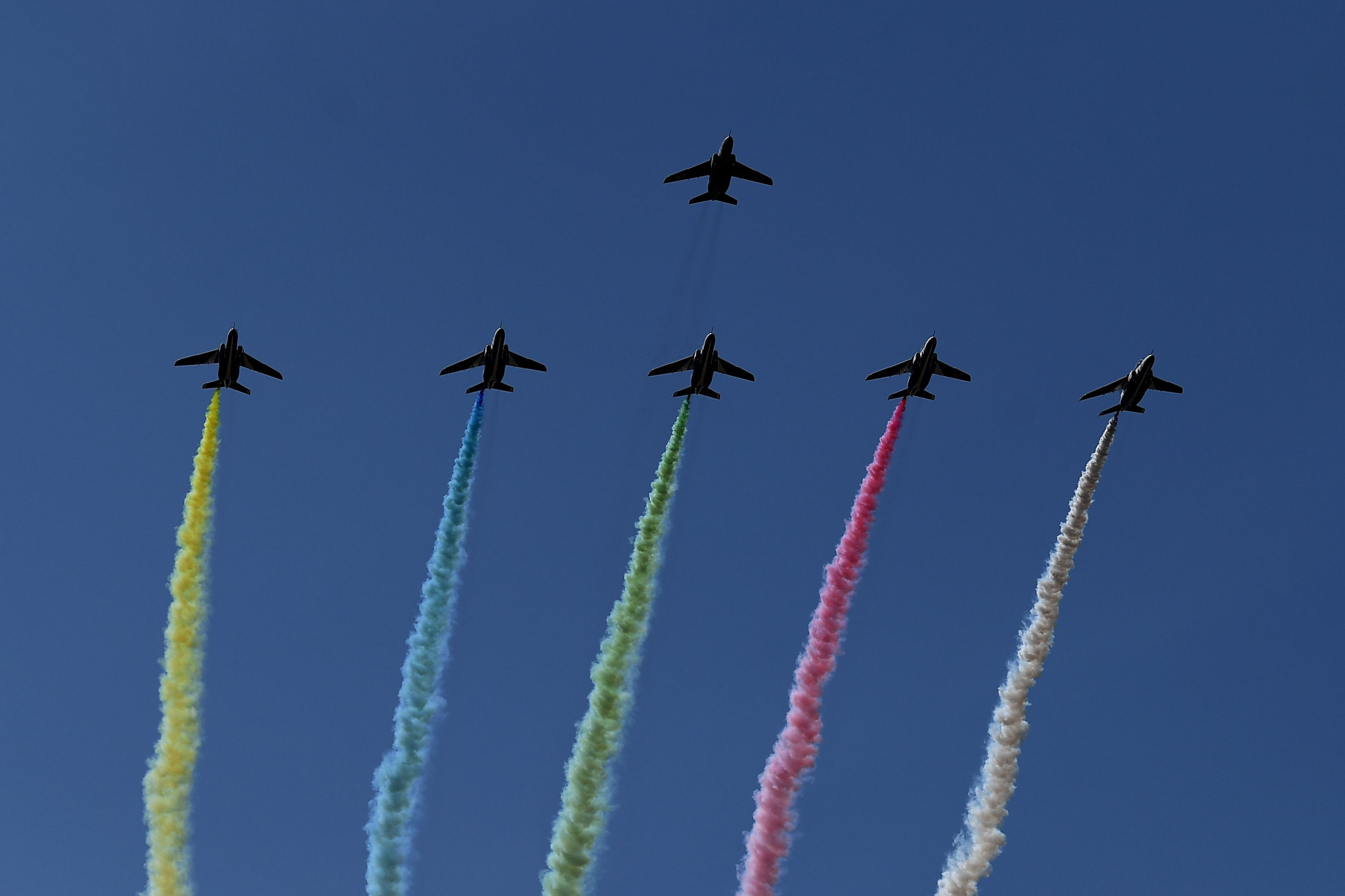 Japan's Blue Impulse team pays homage to the Olympic rings earlier this year - recreating the Opening Ceremony of the 1964 Olympic Games in Tokyo ©Getty Images