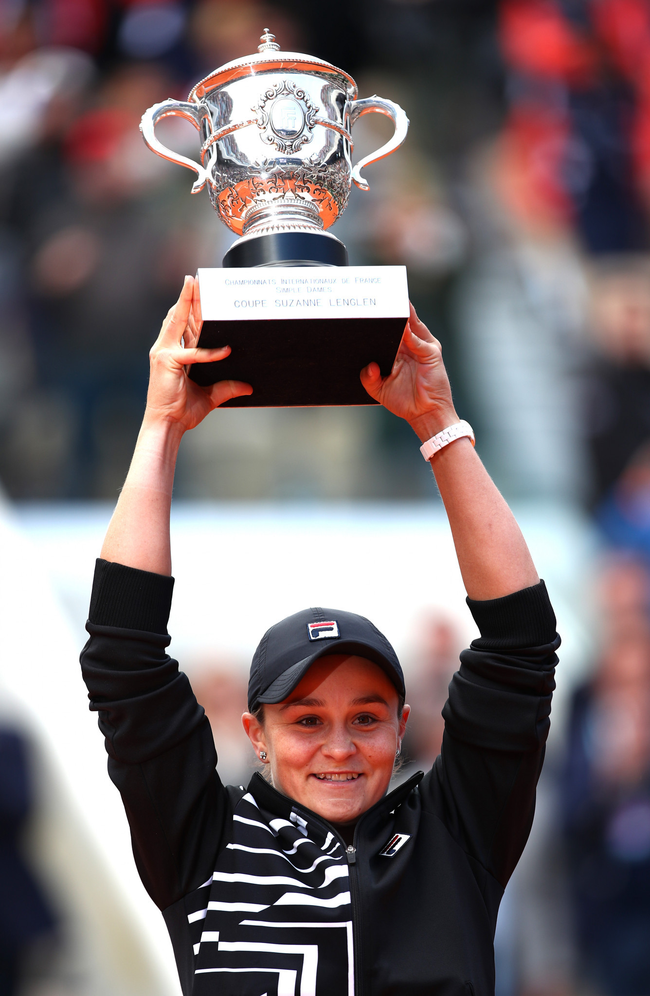 Ashleigh Barty still hopes to be able to defend her French Open title at Paris in September ©Getty Images