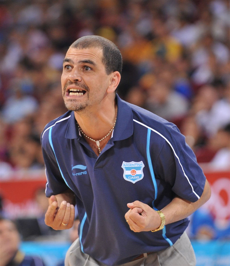 Argentina head coach Hernández has contract extended to include Tokyo 2020