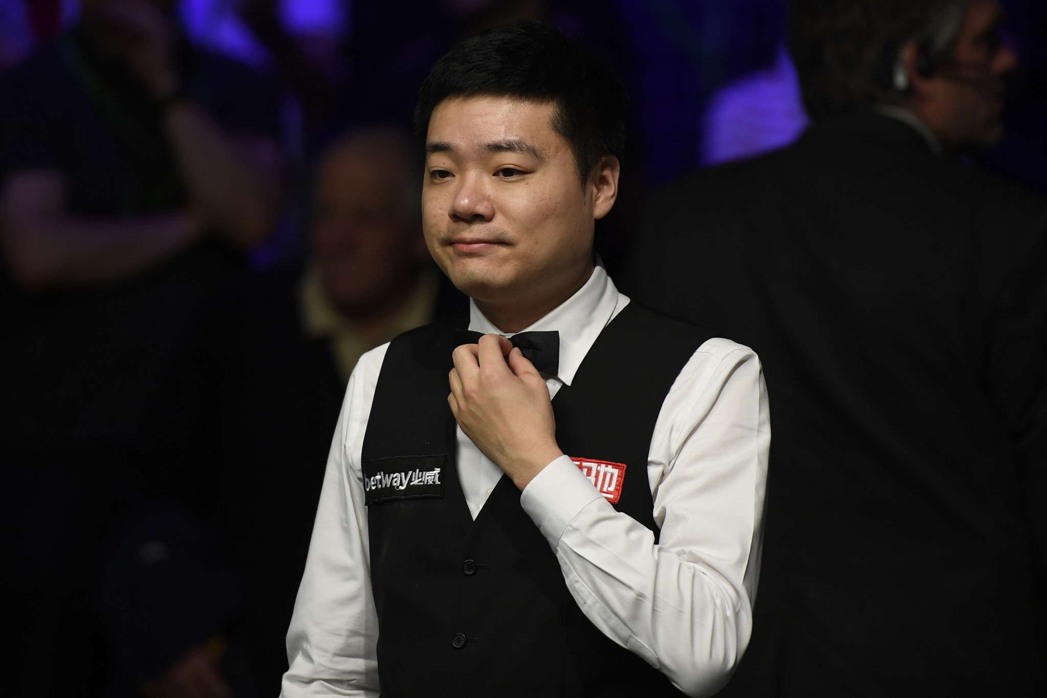 Ding triumphs in decider while two more former champions record wins on day two of World Snooker Championship