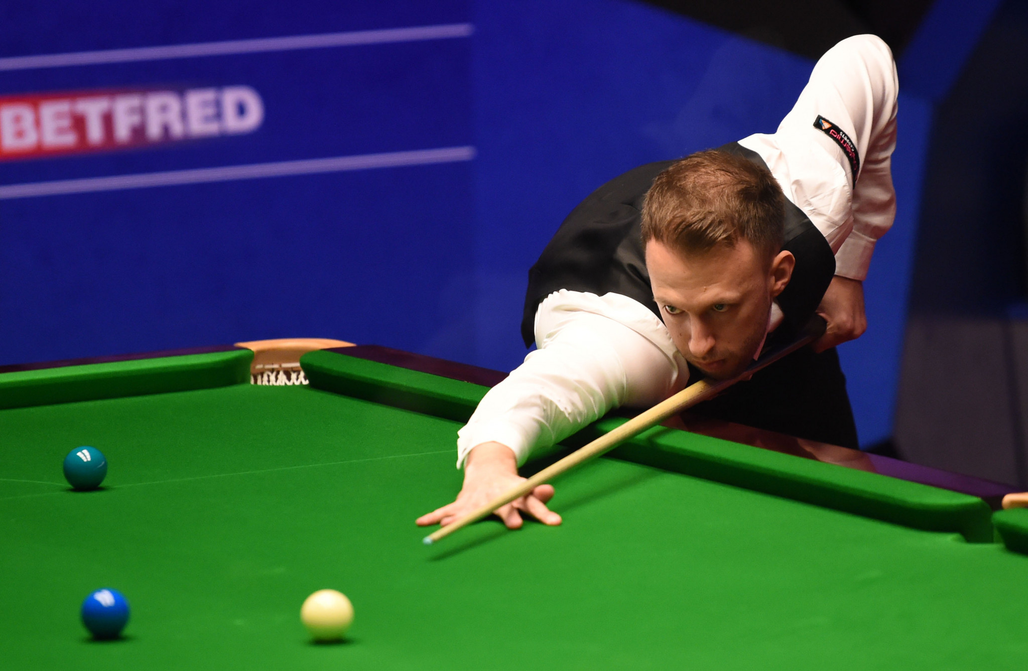 Former champions Williams, Selby and Trump reach World Snooker Championship quarter-finals
