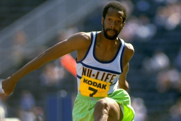 Willie Banks donates world record singlet and bib number to World Athletics Heritage Collection