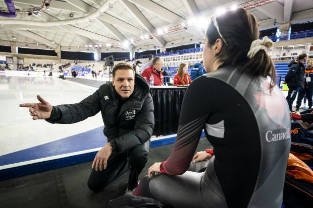 Jelonek named coach of the year by Speed Skating Canada