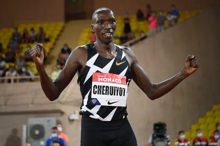 Kenya's world 1500m champion Timothy Cheruiyot held of Norway's European champion Jakob Ingebrigtsen to win at the opening Wanda Diamond League meeting of the season in Monaco  ©World Athletics