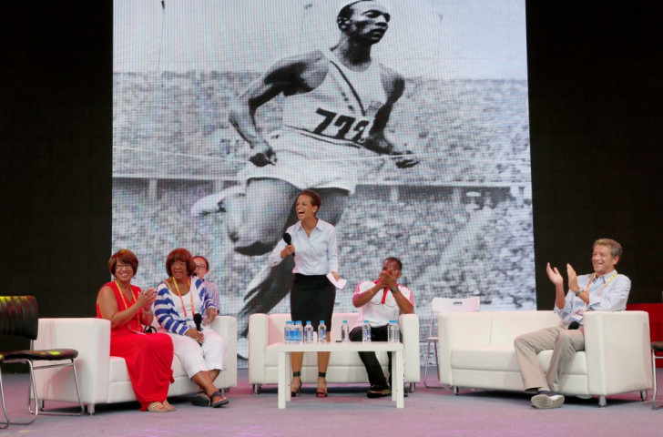 Jesse Owens' grand-daughter Donna Prather Williams (left) and daughter Beverley Owens Prather at an event in Beijing Olympic Park to publicise the forthcoming film about the legendary Olympic champion ©Getty Images