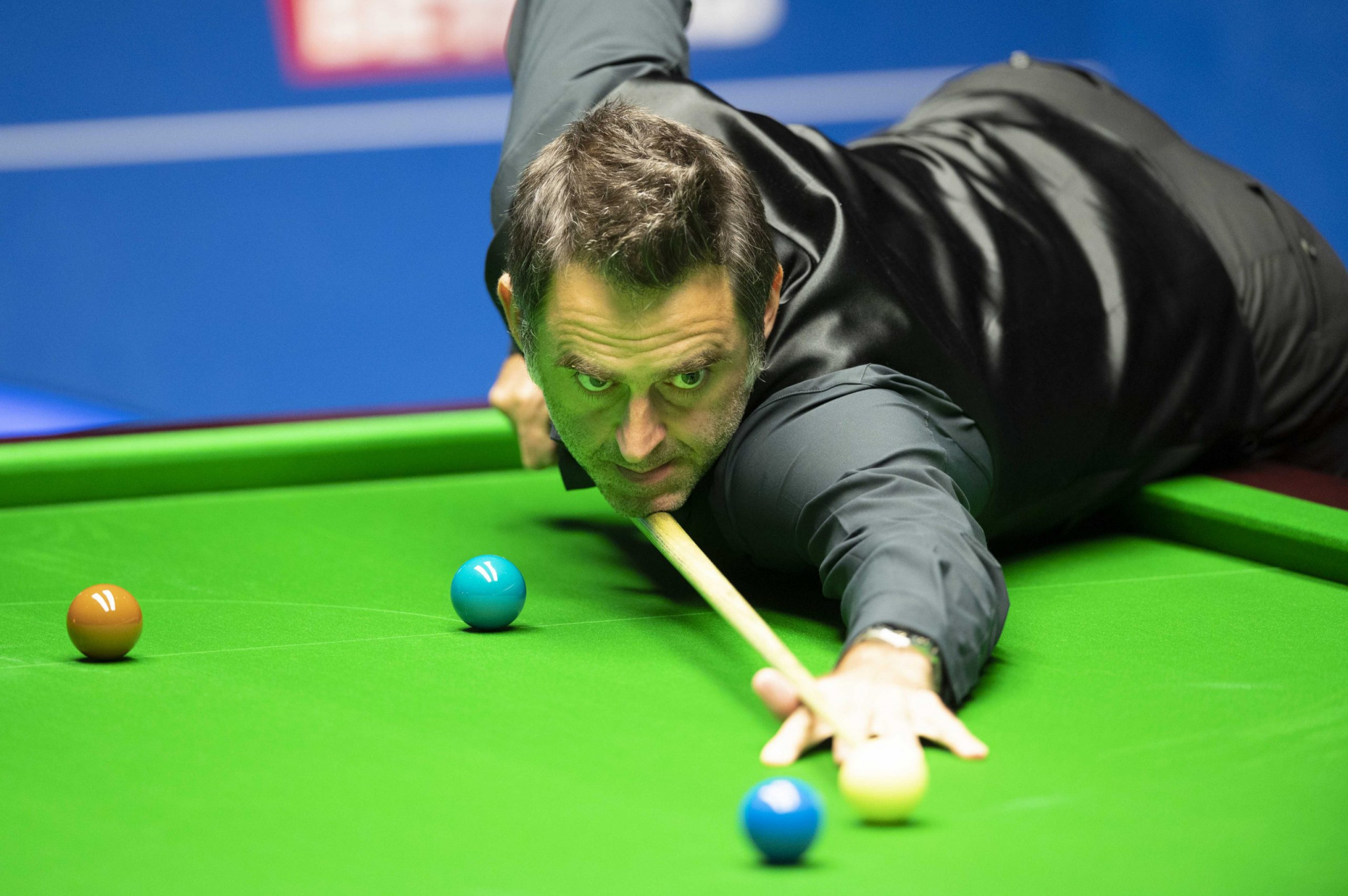 O'Sullivan leads Wilson at end of first day of World Snooker Championship final