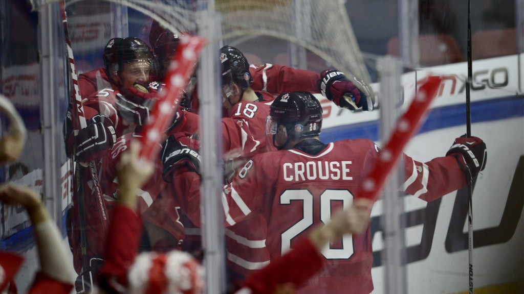 Defending champions Canada scrape past Switzerland at IIHF World Junior Championship
