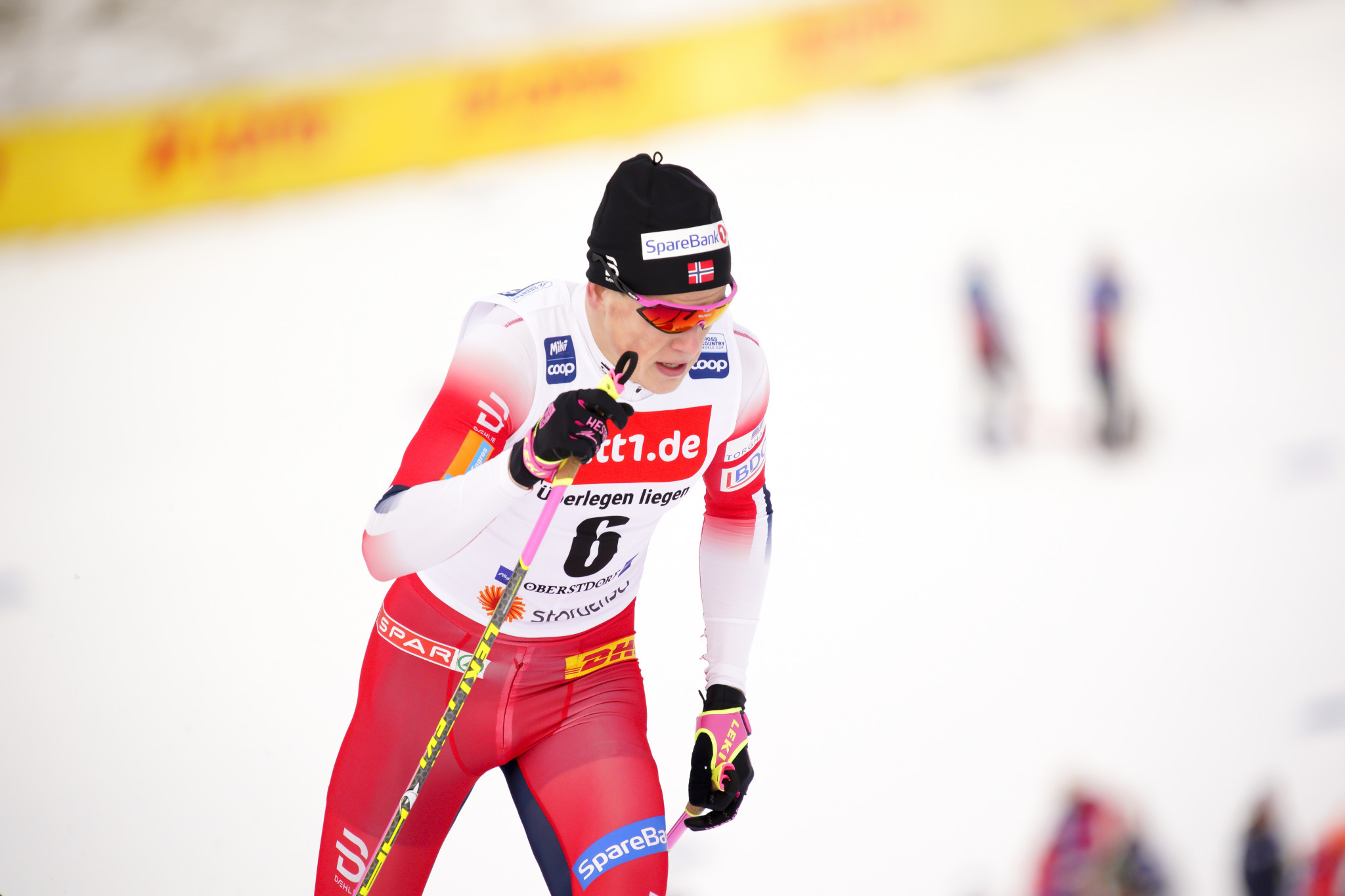Klaebo receives trophy and medal following abrupt end to FIS cross-country season