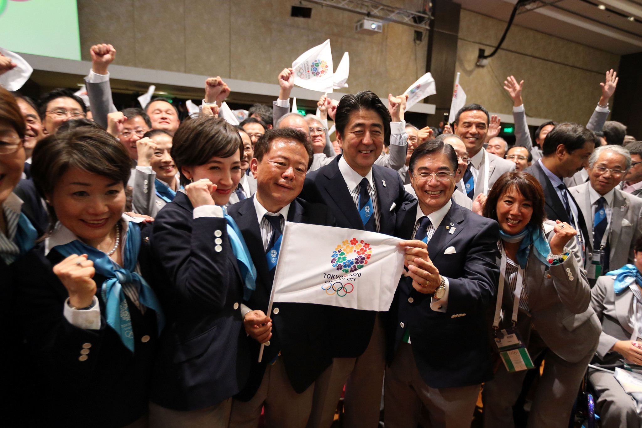 Shinzō Abe spoke in behalf of the Tokyo 2020 bid at the IOC Session in 2013 ©Getty Images