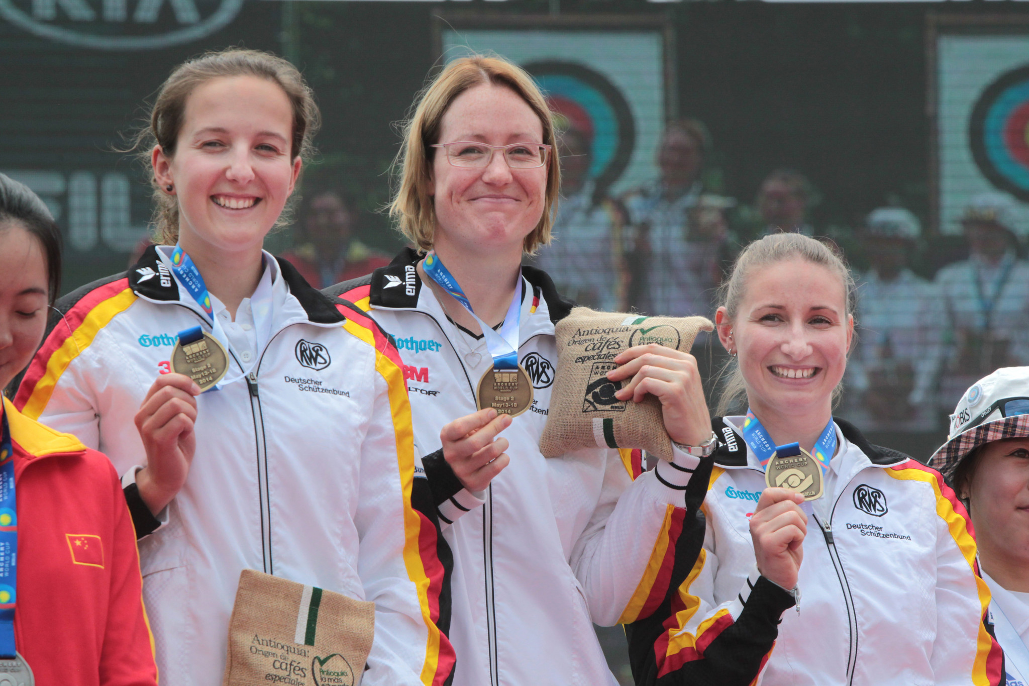 Elena Richter, left, was part of the gold medal-winning German team at the Archery World Cup in Colombia in 2014 ©Getty Images
