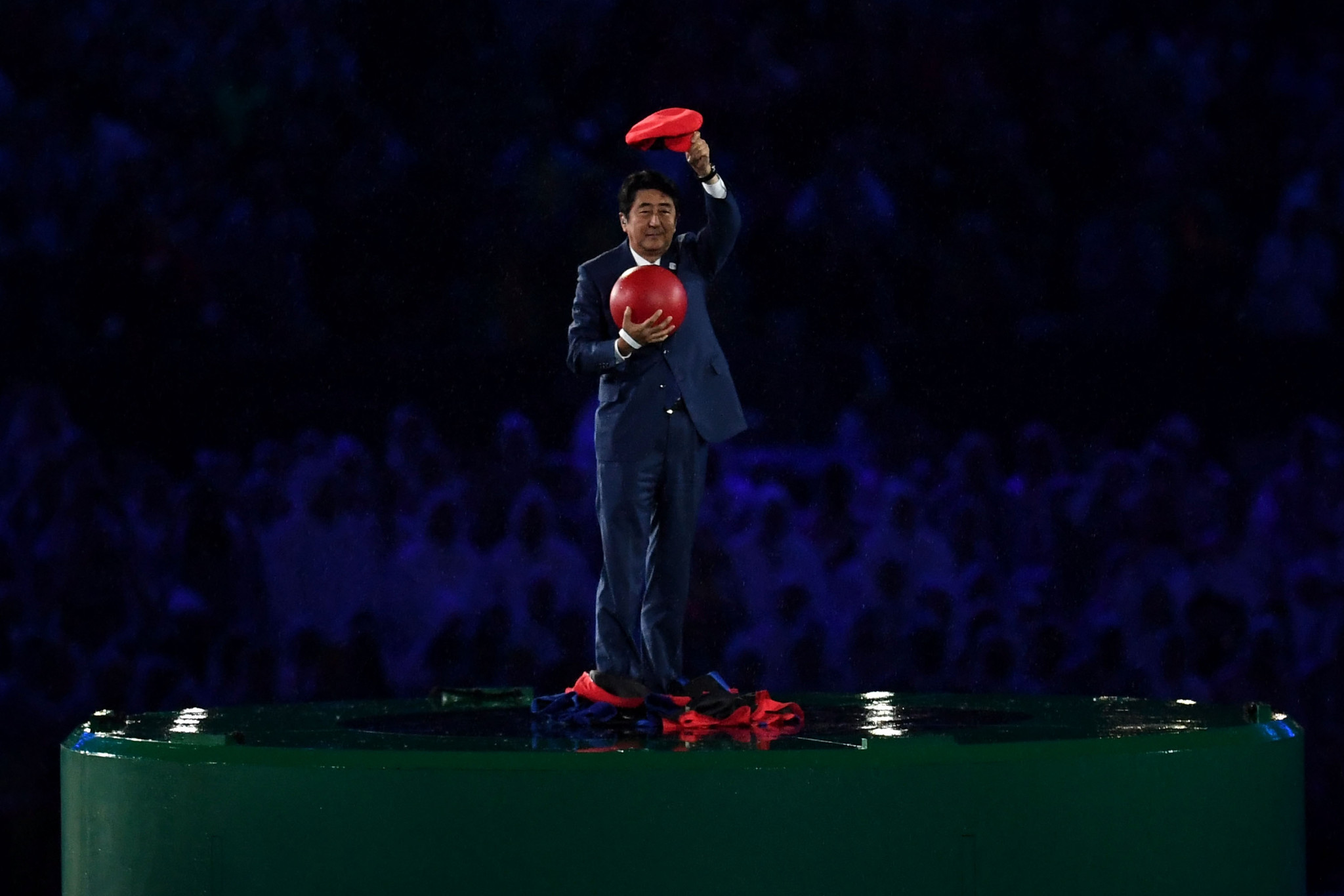 Shinzō Abe played a prominent role at the Rio 2016 Closing Ceremony ©Getty Images