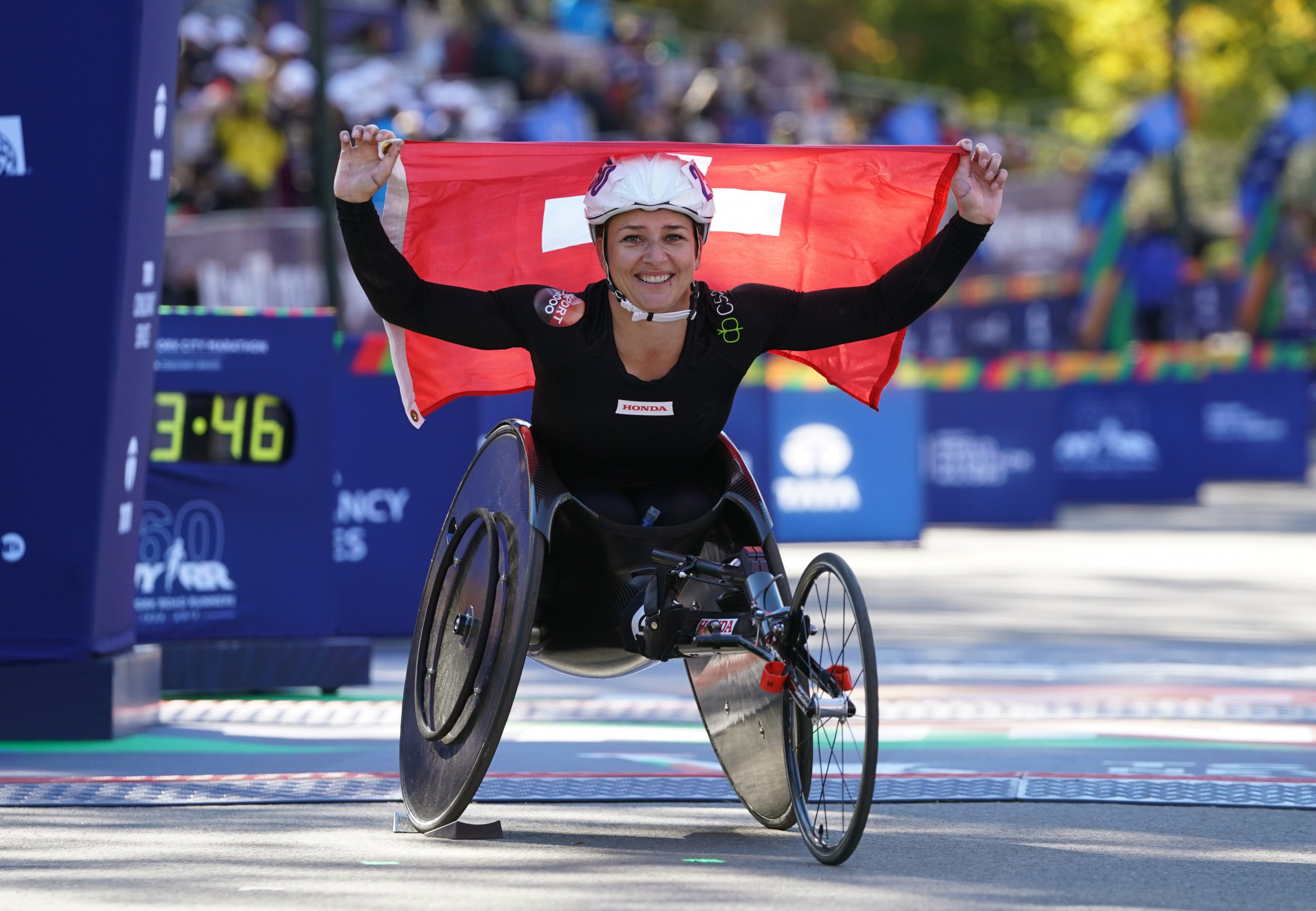 Defending champions Romanchuk and Schär to headline London Marathon wheelchair races