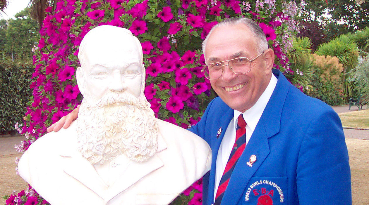 Tributes paid to bowls icon David Bryant as he passes away aged 88