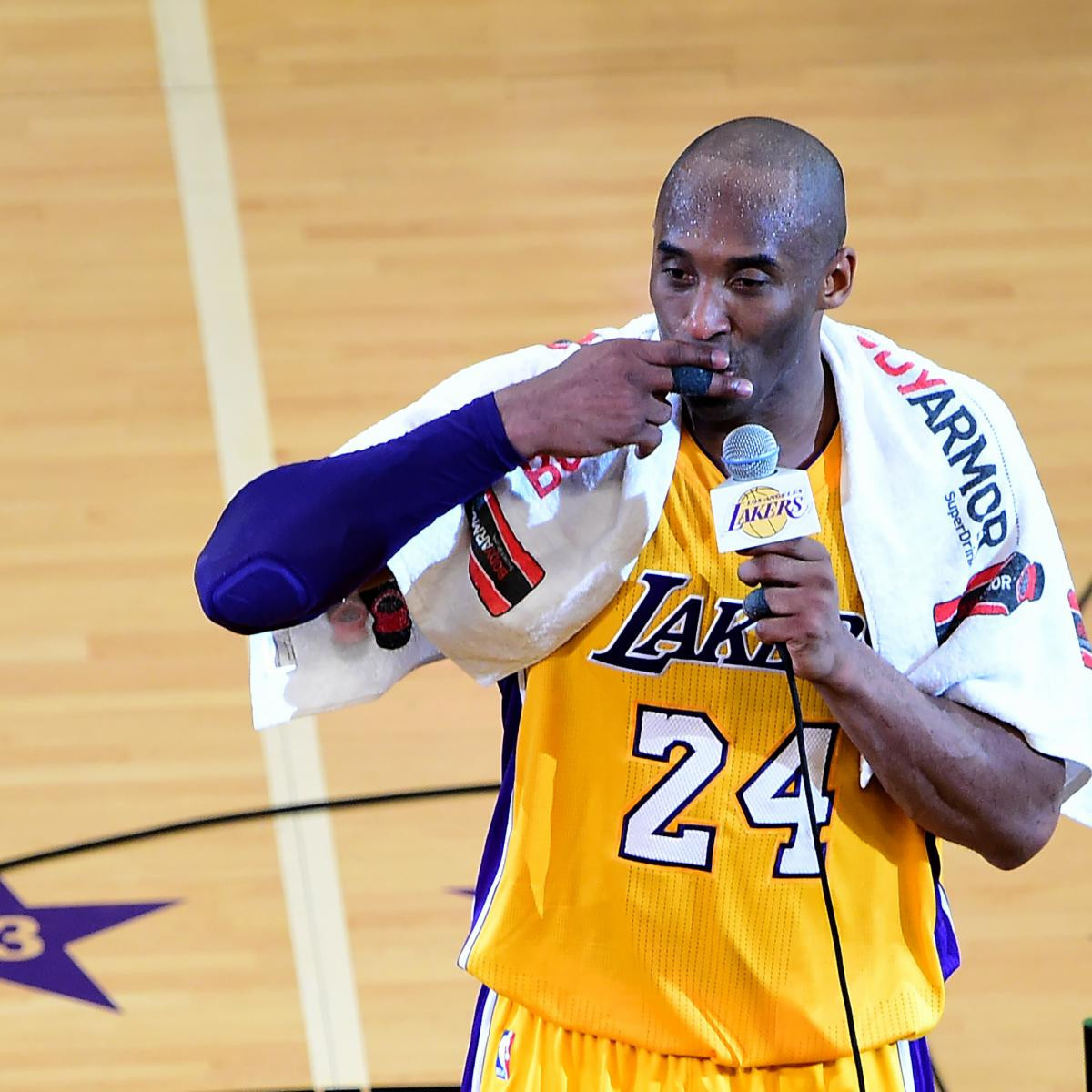 Following his death in January this year, a collector paid more than $33,000 for a towel Kobe Bryant used following his farewell NBA appearance for the Los Angeles Lakers in 2016 ©Getty Images