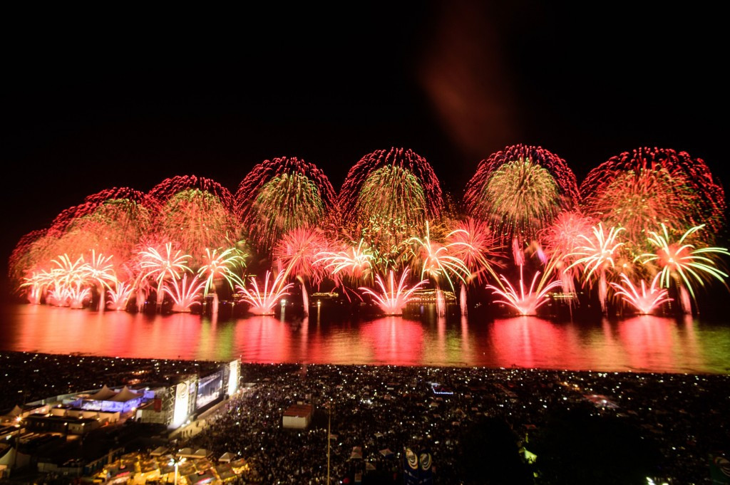 Rio de Janeiro welcomes its Olympic and Paralympic year with spectacular fireworks display on Copacabana