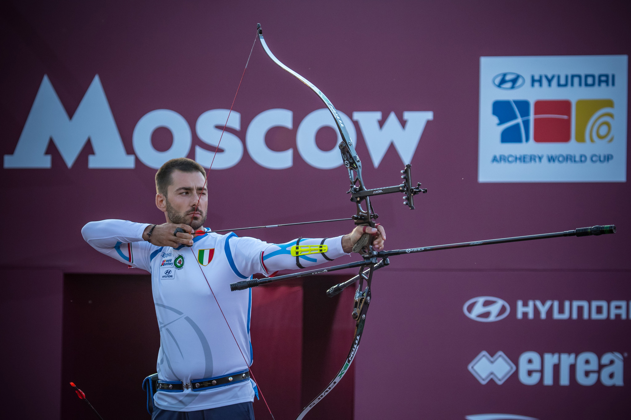 Italy's Mauro Nespoli takes aim during last year's Archery World Cup Final in Moscow ©Getty Images