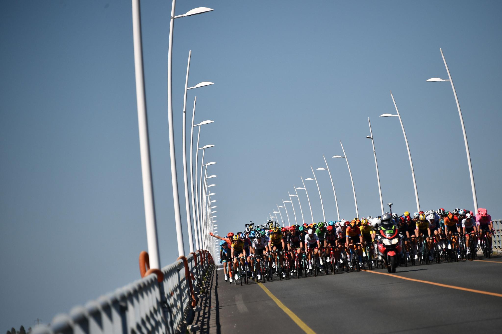 Bennett wins as Tour de France resumes after rest day