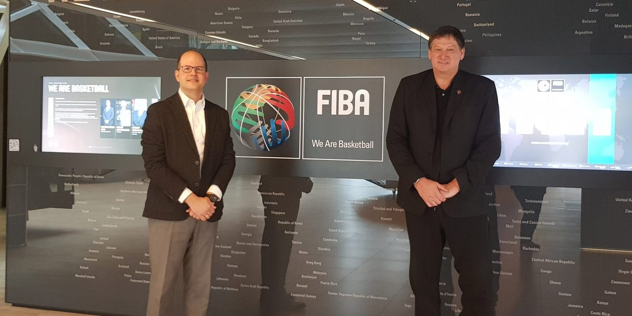 FIBA and the IWBF have renewed their cooperation agreement ©FIBA
