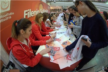 More than 1,000 attend event in Turkey ahead of Rio 2016 volleyball qualifier