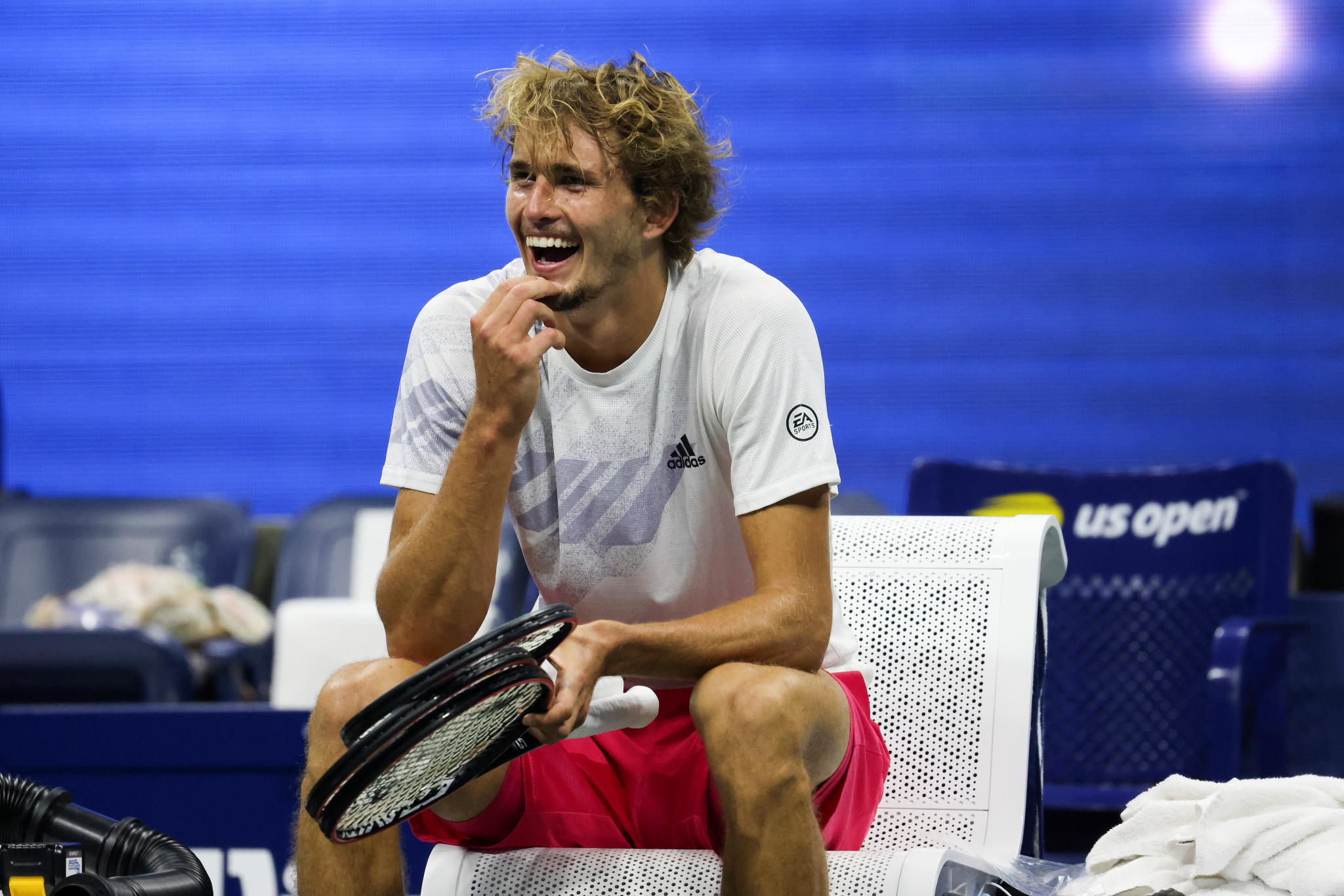 Alex Zverev looks on in amazement after overturning a two set deficit to beat Pablo Carreno Busta and reach the men's singles final ©Getty Images