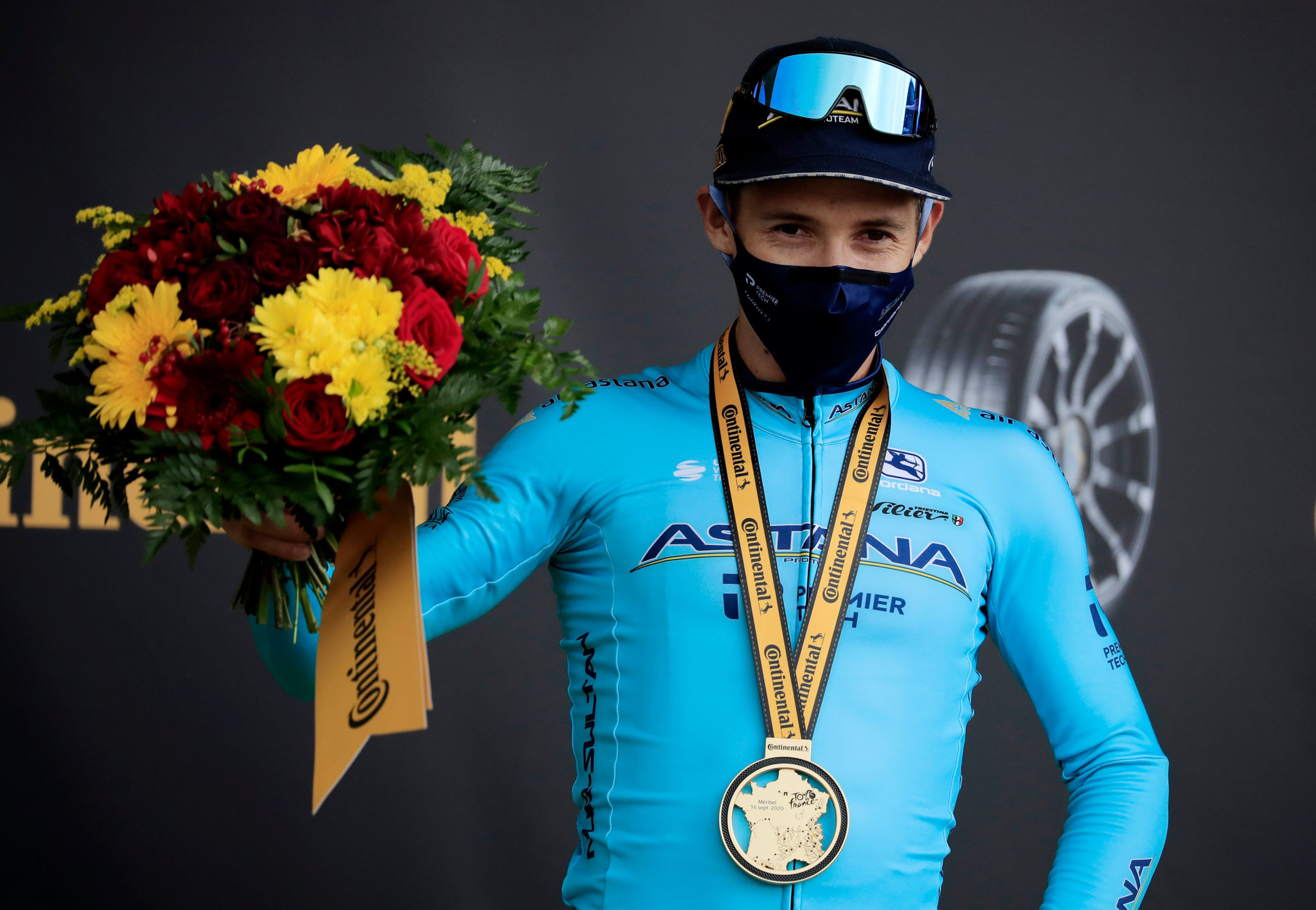 López masters the mountains to win stage 17 of Tour de France
