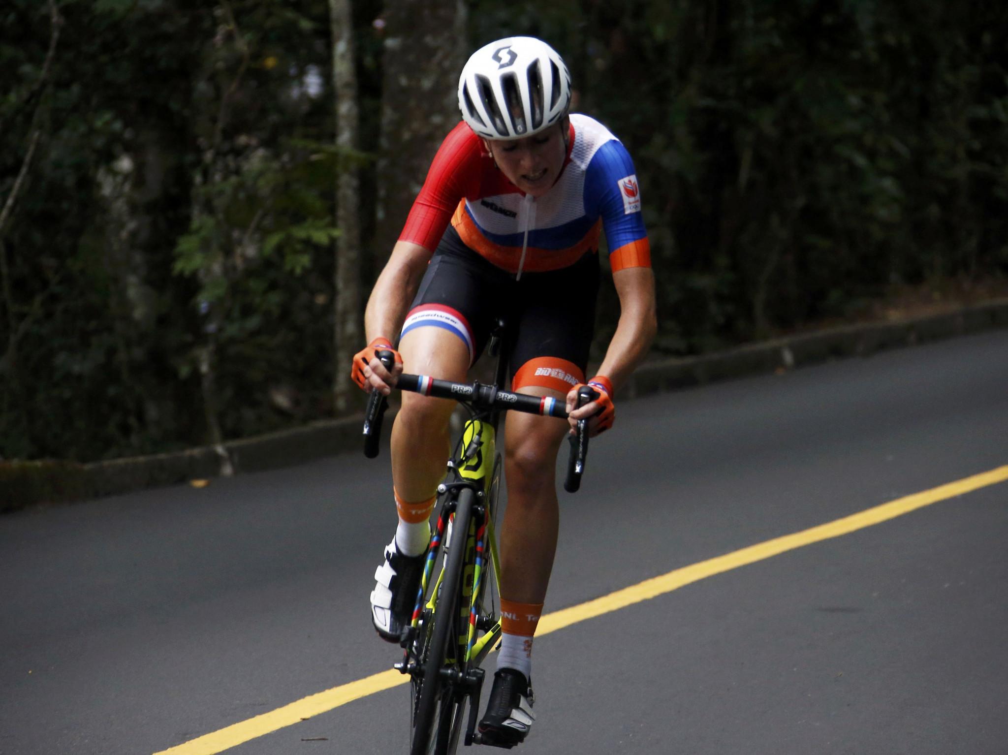 Giro Rosa leader Van Vleuten out of the race with broken wrist