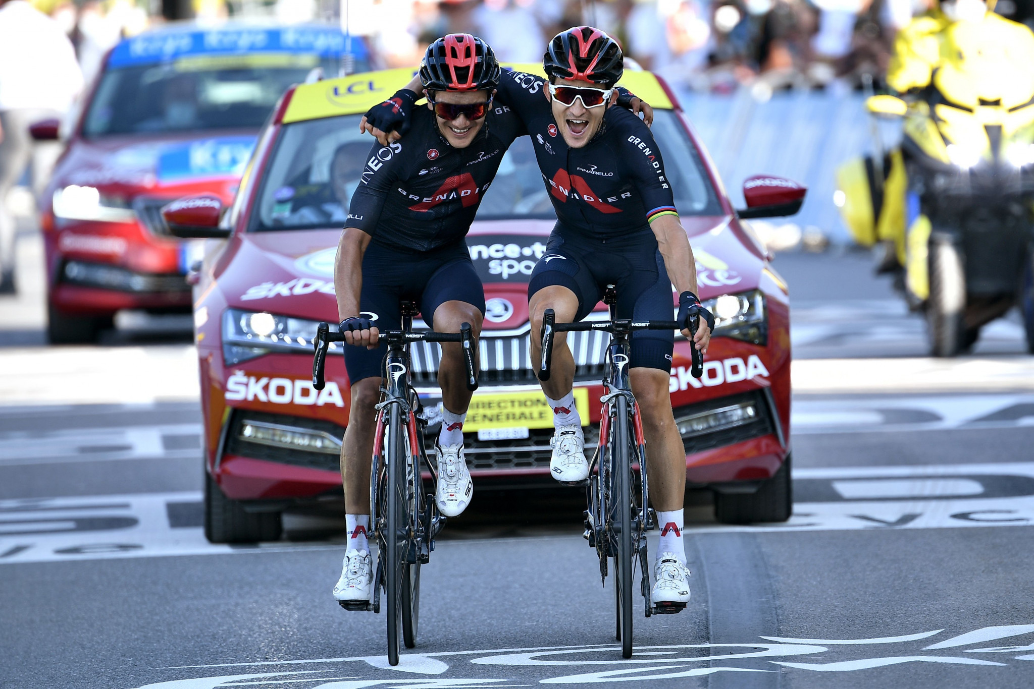 Kwiatkowski and Carapaz give Ineos Grenadiers boost on stage 18 of Tour de France