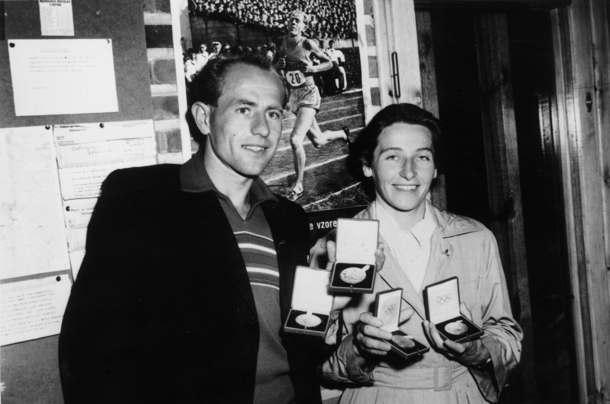 Husband and wife show off their medals in 1952 ©Getty Images