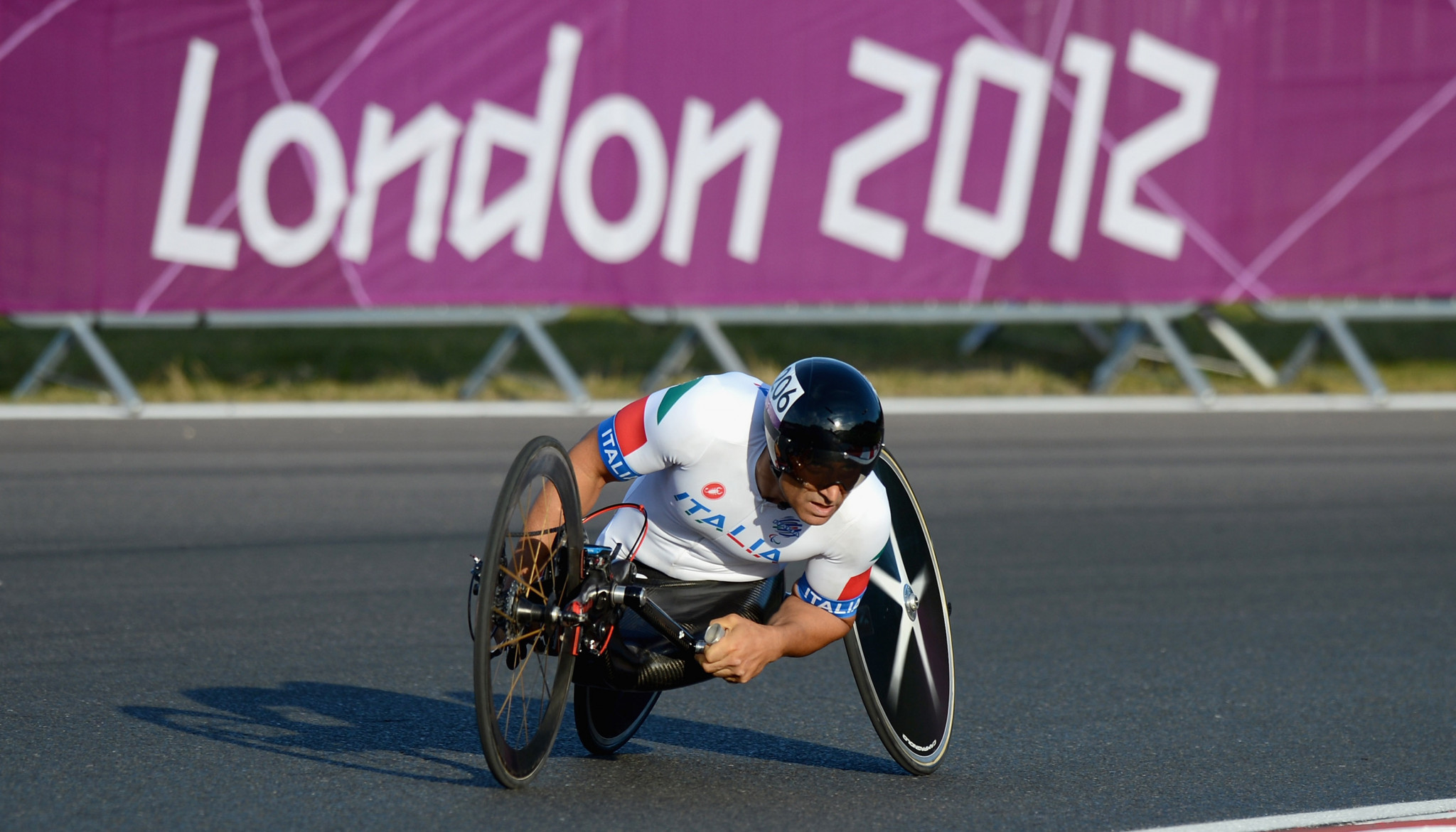 Following an accident which saw him lose both legs, Alex Zanardi took up handcycling and competed at London 2012 and Rio 2016, winning six medals, including four gold ©Getty Images