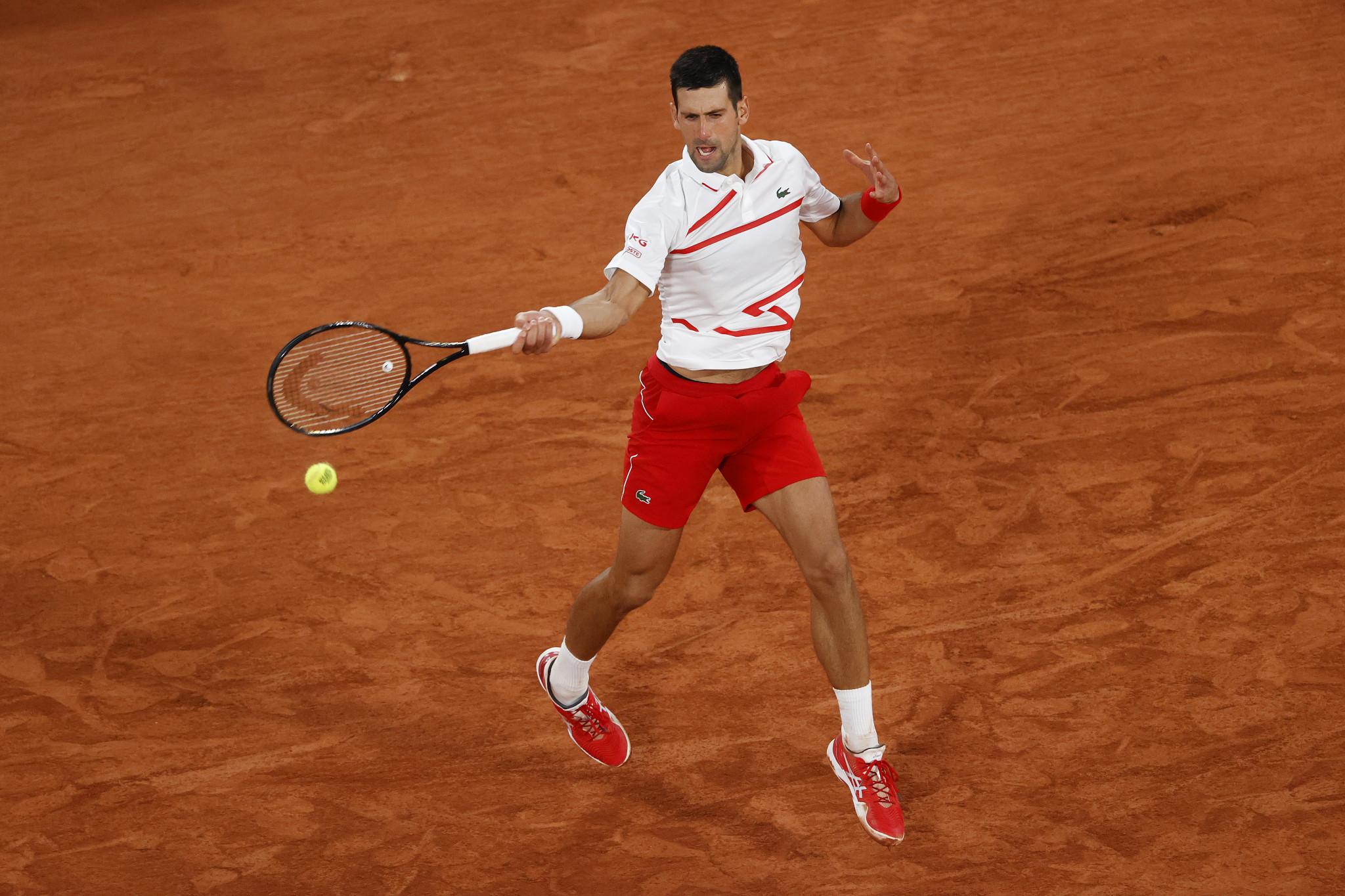 Djokovic enjoys comprehensive win as French Open first round concludes
