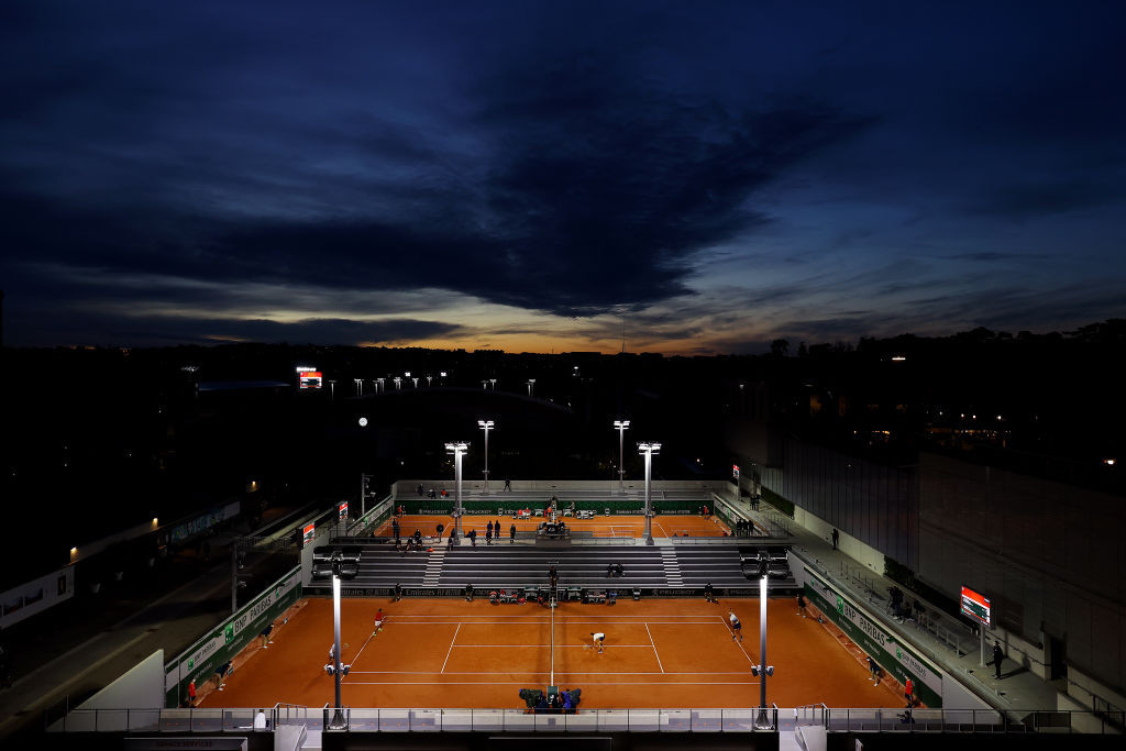 Play continued as the sun set on day five at Roland Garros ©Getty Images