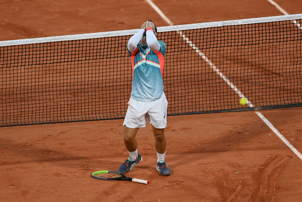 Gaston causes huge upset with victory over Wawrinka at French Open
