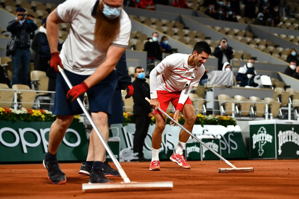 Novak Djokovic swept aside Daniel Elahi Galán to reach the fourth round of the French Open ©Getty Images