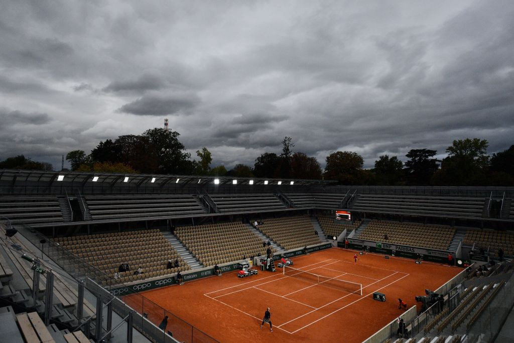 The weather in Paris again caused issues for the players on day seven ©Getty Images