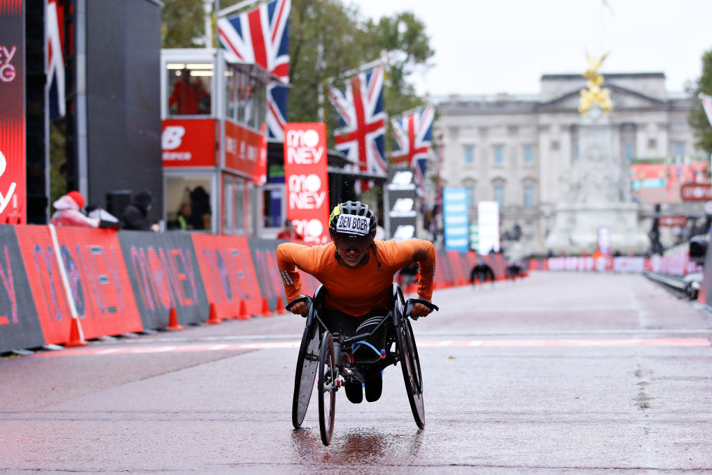 Den Boer upsets Schär to win women's wheelchair race at London Marathon
