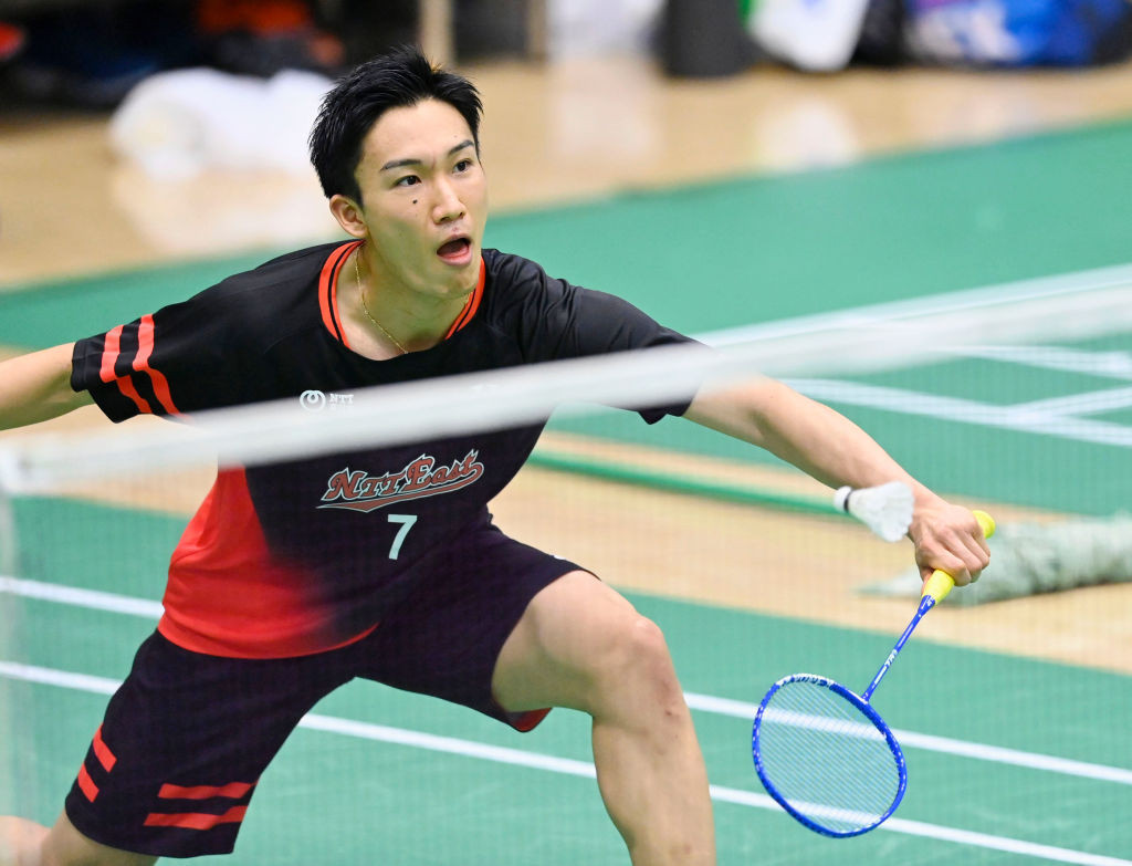 Men's singles world number one Kento Momota is reportedly among 15 Japanese players to have withdrawn from the BWF Denmark Open ©Getty Images