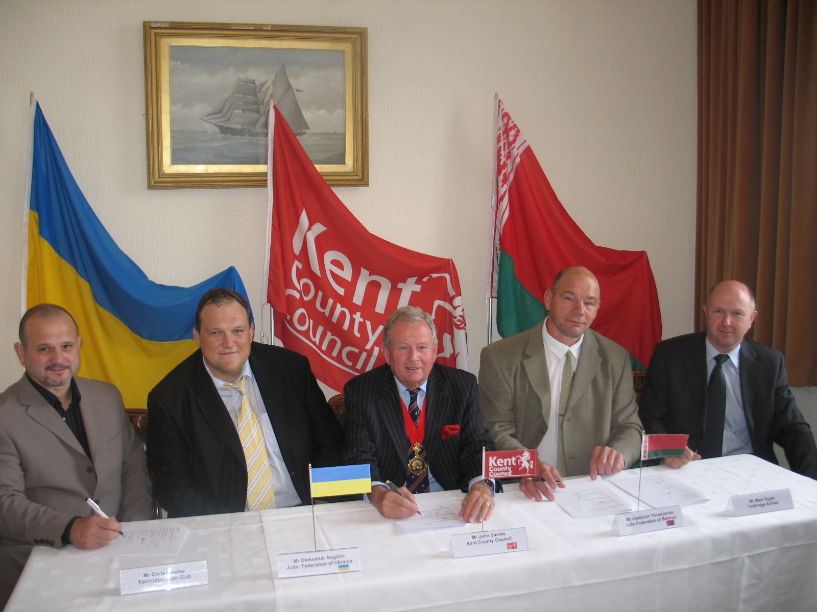 Belarus and Ukraine signed a deal to base themselves at pre-Games training camps in Kent before London 2012 ©Kent County Council