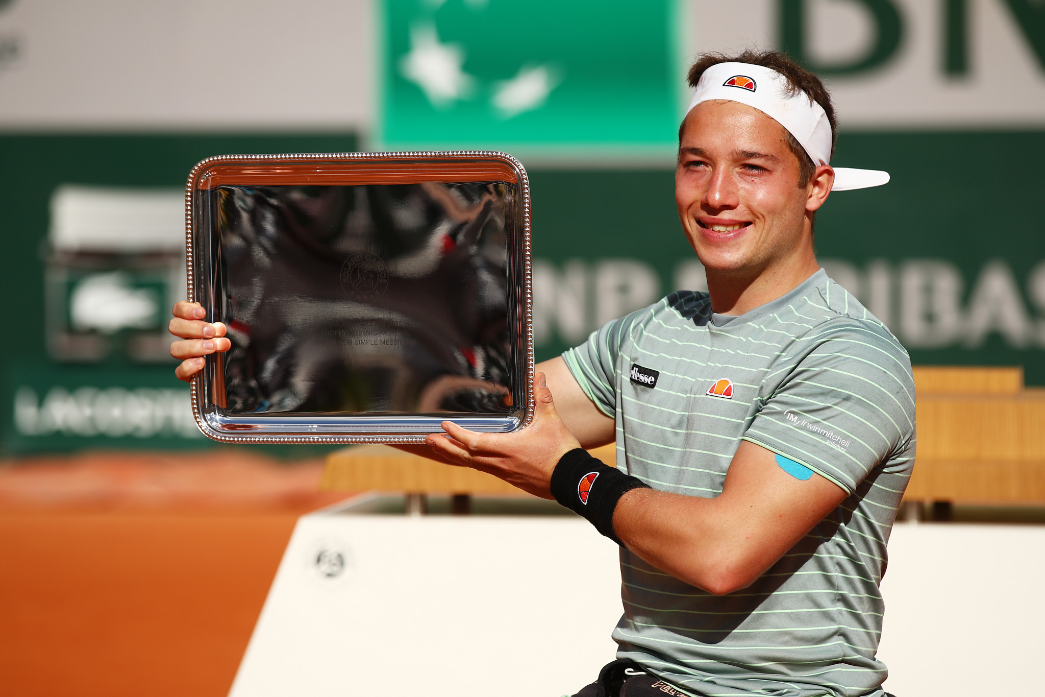 Hewett wins second French Open title in two days
