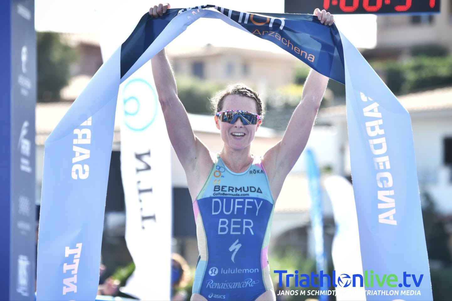 Flora Duffy won the women's race winner in Arzachena, having led for most of the contest ©TriathlonLIVE