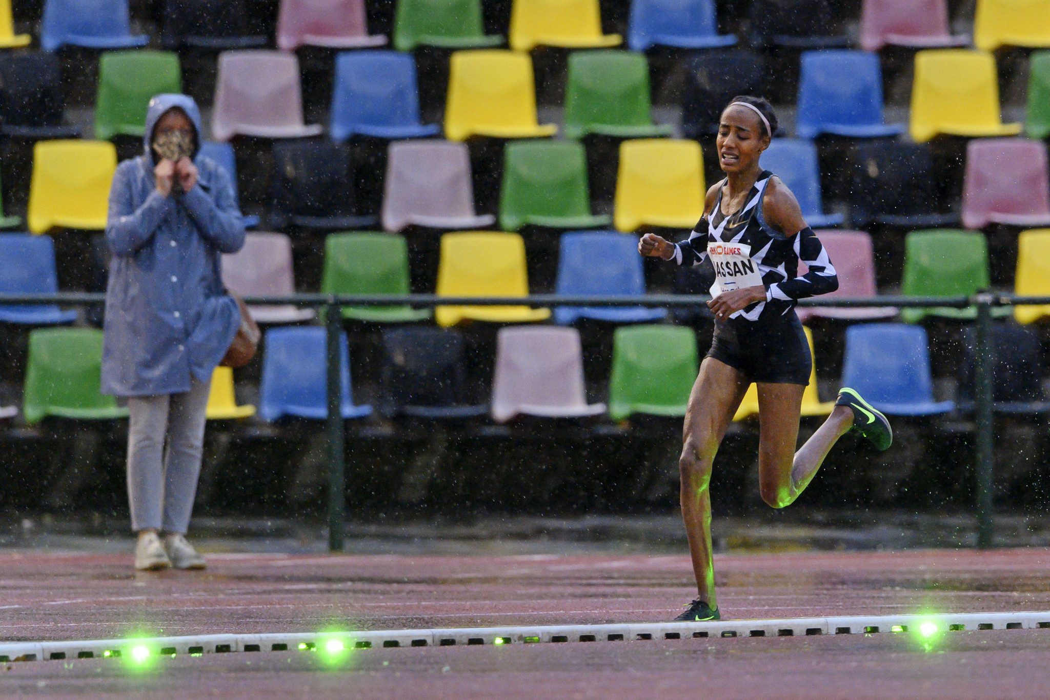 Hassan takes almost 25 seconds off European 10,000m record