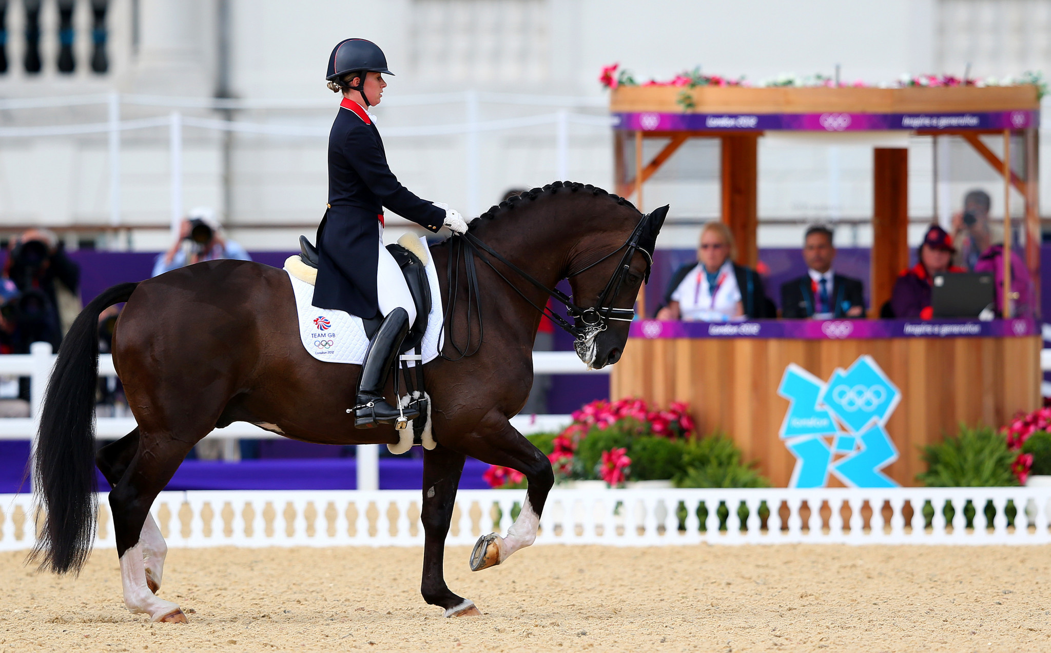 Bronze statue to mark career of triple Olympic gold medallist Valegro to be erected