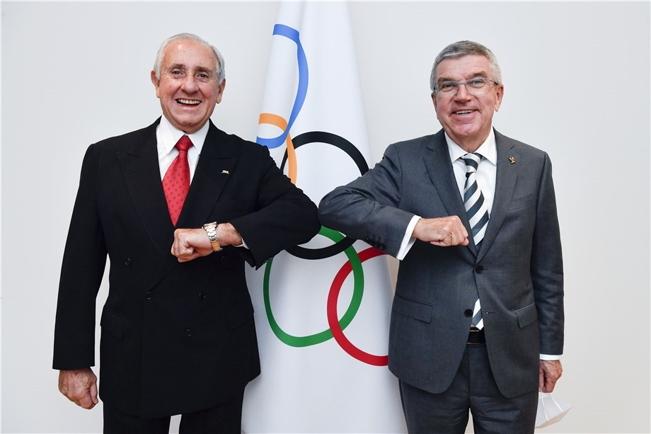 FIVB President Ary Graça met with IOC President Thomas Bach in Lausanne this week ©IOC