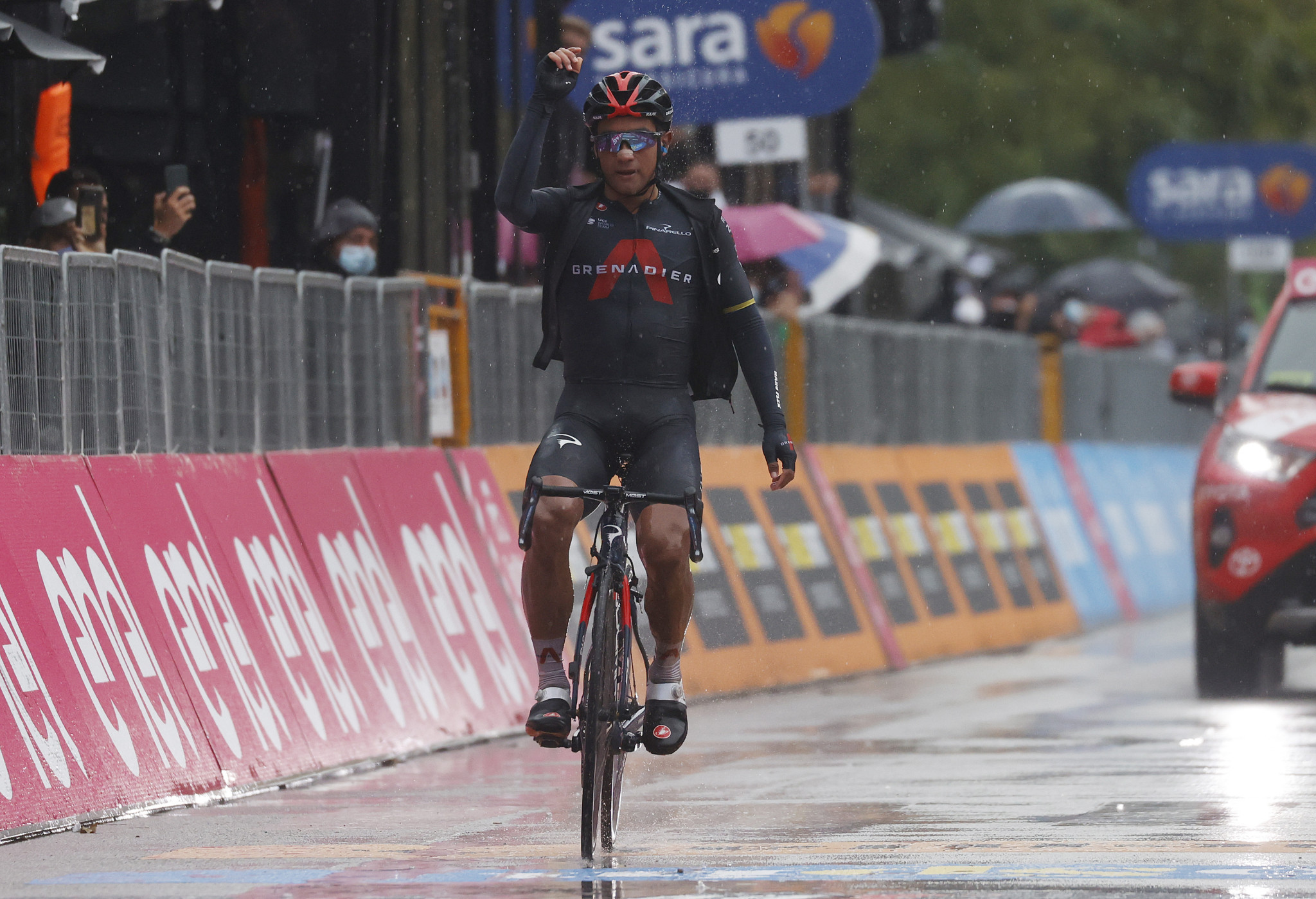 Narváez wins stage 12 as EF Pro Cycling suggestion to halt Giro turned down